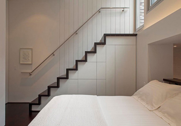 Bed-Near-Staircase
